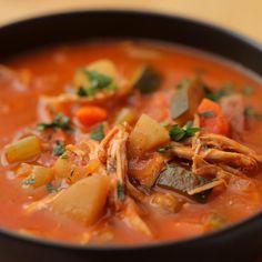 Veggie Soup Recipes, Chicken Veggie Soup, Crockpot Recipes, Chicken Recipes, Cooking Recipes, Healthy Recipes, Bon Ap, Pressure Cooker Recipes, Slow Cooker