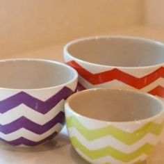 This unique set of 3 Neutral Chevron Bowls are great for mixing, prepping, and even serving. The decorative ceramic bowls nest for compact storage and are also dishwasher safe. The rich colors and fun chevron design will liven up any kitchen! Dipping Sauces For Chicken, Sauce For Chicken, Ceramic Decor, Ceramic Bowls, Chevron Kitchen, Coton Colors, Mixing Bowls, Rich Colors, Kitchen Redo