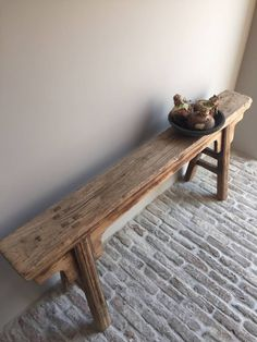 De mooiste webshop van Nederland met de meest uiteenlopende woonaccessoires voor de landelijke stoere, sobere en robuuste woonkamers. How To Antique Wood, Old Wood, Bench Stool, Dining Bench, Banco Vintage, Narrow Coffee Table, Rustic Bench, Wood Benches, Country Style Furniture