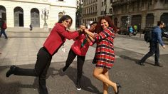 Minhas miguchas, Leo, Marli e Ivone, se divertindo no Pátio do Colégio kkk...