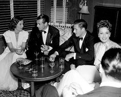 Cocktail party 1940: Barbara Stanwyck, Gary Cooper, Errol Flynn, Lili Damita