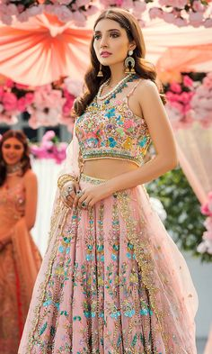 Make your wedding day special with a glamorous wedding wear collection at Nomi Ansari. Check out our wedding wear collection. Indian Bridal Fashion, Indian Wedding Outfits, Bridal Outfits, Indian Outfits, Bridal Dresses, Pink Outfits, Party Outfits, Indian Gowns Dresses, Pakistani Dresses