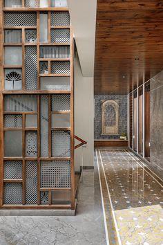 House Design, Foyer Design, Partition Design, Interior, Bungalow, Staircase Design, Studio Interior, Interior Design Studio, Wall Design