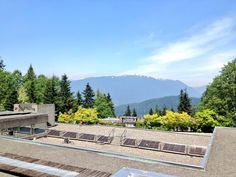 Beautiful view of the Mt. Seymour from SFU's Burnaby campus. Pic provided via Twitter / skhunkhun: Perks of summer semester @Sheli Upchurch! ...