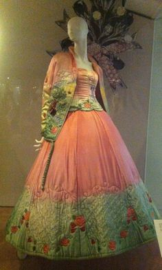 ~Ballgown, via V & A Museum pink green long gown satin jacket floral quilted color photo print Vintage Fashion 1950s, Vintage Gowns, Retro Fashion, Vintage Outfits, Vintage Clothing, Beautiful Gowns, Beautiful Outfits, Fashion History, A Boutique