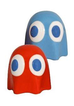 Salière et poivrière Fantômes - Pac-Man  céramique 6cm env. 8,90€