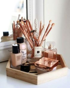 Upon each year's beginning we always hope ournewselves will find a way to get more organizedespecially when it comes to our beauty stash. To inspire a