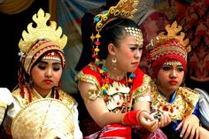 Lampung Dancers