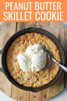 The best skillet cookie recipe. Homemade peanut butter cookie dough with Reeses Pieces baked until ooey gooey and topped with vanilla ice cream and hot fudge. Best Dessert Recipes, Fun Desserts, Cookie Recipes, Delicious Desserts, Dessert Ideas, Homemade Peanut Butter Cookies, Coconut Cookies, Peanut Butter Pizookie Recipe, Peanut Cookies