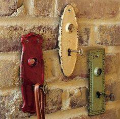 Use old key holder plates and skeleton keys for coat hangers, purse hangers, key hangers, etc.