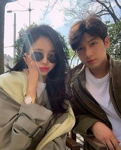 Ulzzang Couple, Ulzzang Girl, Korean Couple, Feeling Special, Couple Pictures, Hats For Women, Couple Goals, Cute Couples, Vogue
