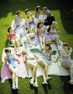 1950s girls sunbathin #retro #girls