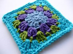 Nuthatch Granny square pattern...pretty!