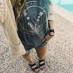 Cutoff shorts outfit, Casual Outfit, Spring Fashion, Cardigan Outfit, Casual Outfit, Birkenstock outfit, birkenstock sandals