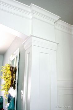 DIY: Interior Column Tutorial - awesome DIY, with very detailed plans. This is such a great design de casas interior design Interior Columns, Interior Exterior, Diy Interior, Interior Decorating, Plans Architecture, Architecture Office, Moldings And Trim, Moulding, Molding Ideas
