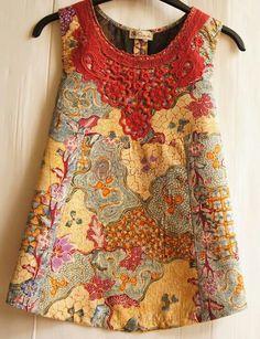 i/o batik, use stripes, ikat, trad kimono pattern Batik Fashion, Ethnic Fashion, Look Fashion, African Fashion, Blouse Batik, Batik Dress, African Dresses For Kids, African Wear, Mode Batik