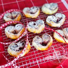 Serduszka z ciasta francuskiego   Świat Ciasta Doughnut, Muffin, Baking, Breakfast, Blog, Morning Coffee, Bakken, Muffins, Blogging