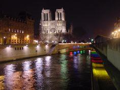 Notre Dame asomada al Sena. París, marzo 2005