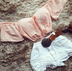 Três irmãs Karol, Valentina e Carolina Sevilla Zenere , foram enganad… # Fanfic # amreading # books # wattpad Pretty Outfits, Cute Outfits, Fashion Outfits, Womens Fashion, Casual, Summer Outfits, Knitting, Clothes, Collection