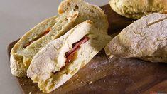 Receita de Pão com chouriço. Descubra como cozinhar Pão com chouriço de maneira prática e deliciosa!