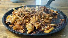 쭈꾸미 볶음, Stir-fried short-arm octopus Korean food today ! Short-arm octopus ! I used spicy pepper sauce, all grilled well on this griddle. I think this griddle makes taste much better than cooking on normal frypan.   오늘의 요리 ! 고추장양념에 쭈꾸미를 볶아 보았습니다. 매콤한양념에 쭈꾸미들이 아주 잘 요리되었네요. 무쇠철판 요리가 훨씬  맛있는거 같아요.   #쭈꾸미 #griddle #Koreafood