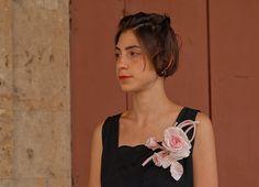 Rosa in Seta pura con due piccoli bocci su di RinaldelliModisteria