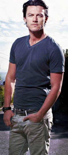 Michael, uma EVOLUÇÃO FASHIONISTA: 2014-15. Plain shirt, casual style, cabelos mais compridos.