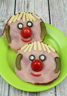 funny food funny food prepared for big and smal Cute Snacks, Cute Food, Good Food, Funny Food, Food Art For Kids, Cooking With Kids, Toddler Meals, Kids Meals, Childrens Meals