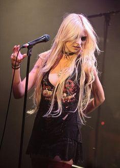 Picture of Taylor Momsen Taylor Momsen, Taylor Michel Momsen, Rocker Girl, Rocker Chick, Look Rock, Rock Style, Gossip Girl, Jenny Humphrey, Women Of Rock