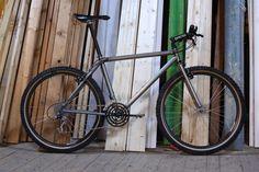 I love me some rigid old school mountain bikes