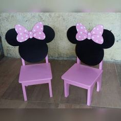 Laura Caruso Atelier: Mickey e Minnie Minnie Mouse Room Decor, Mickey Minnie Mouse, Disney Furniture, Kids Room Furniture, Kids Table And Chairs, Kids Corner, Wood Toys, Kids Decor, Girl Room