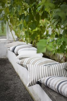 Love these striped cushions by Linum. Perfect for the Garden Bench! Outdoor Seating, Outdoor Rooms, Outdoor Gardens, Outdoor Living, Dream Garden, Home And Garden, Lexington Home, Striped Cushions, White Pillows