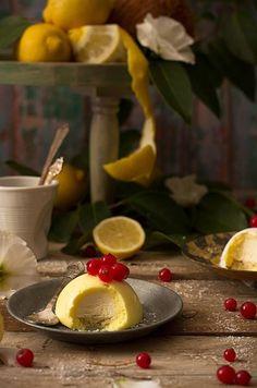 El mousse de limón es el postre mas ligero, suave y refrescante que puedes ofrecer tras una comida copiosa.