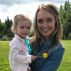 Amy and Lyndy on Set Heartland season 12 😘 Pc: Amy And Ty Heartland, Heartland Seasons, Heartland Ranch, Heartland Tv Show, Heartland Actors, Best Tv Shows, Favorite Tv Shows, Ty Y Amy, Sofia The First Birthday Party