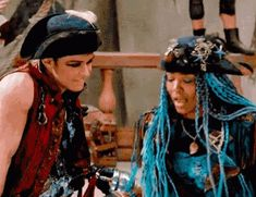 Disney Descendants 2, Descendants Cast, Live Action Movie, Action Movies, Harry Hook, Mal And Evie, China Anne Mcclain, Great Minds Think Alike, Thomas Doherty