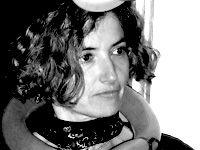 Minha prima Cristina: Artista plástica e ilustradora, Cristina Valadas licenciou-se em Pintura pela Escola Superior de Belas Artes do Porto e pós-graduou-se em Design Têxtil. Desde 1988, realizou, como pintora, dezenas de exposições individuais e colectivas, tendo recebido o prestigiado Prémio Maluda, entre outros.