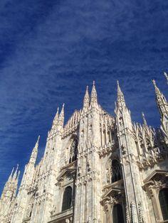 Milano Piazza Duomo Cielo come mare