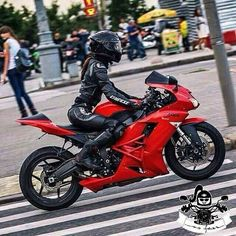 Biker girl on Kawasaki Ninja.   Motorcycles, bikers and more