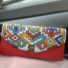 #africanfashion icanBeadWork #Afr Beaded Shoes, Beaded Clutch, Beaded Purses, Beaded Bags, African Beauty, African Fashion, African Goddess, Clutch Bag, Tote Bag