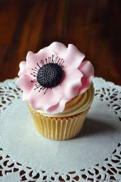 Tutorial Tuesday: How to Make a Sugar Anemone Flower!