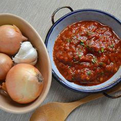 Sos de rosii pentru pizza pentru paste (1) Best Homemade Spaghetti Sauce, Saveur, Pizza, Lidl, Chana Masala, Pesto, Food To Make, Beef, Cooking