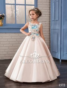 Cheap communion dresses, Buy Quality first communion dresses directly from China flower girl dresses Suppliers: Cute Ivory Flower Girls Dresses for Weddings 2017 With Pattern Bow Sash Little Girls Pageant Gowns First Communion Dress Girls Party Dress, Birthday Dresses, Girls Dresses, Childrens Wedding Dresses, Blush Flower Girl Dresses, First Communion Dresses, Pageant Dresses, Ball Gowns, Satin Skirt