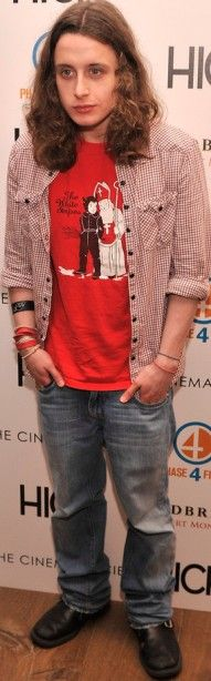 Every now and then, Kieran or Rory Culkin's sporty-preppy boho style is on point. They also happen to be around my height and build. I don't care for the design on the t-shirt, but love the look in general.