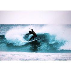 .  . #australia#goldcoast#coolangatta #snapperrocks#surfing#canon #サーフィン#おーすらいふ ##どうですかセンスはありますか笑 #サーフィンとるの難しい #レンズもう一個欲しいな by m__rhythm