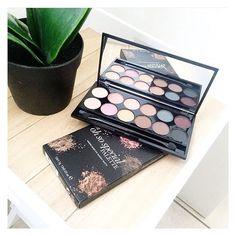 Fav' of the day 😍💕 : la palette OH SO SPECIAL de la marque sleek  ! On adore tout : les couleurs, la pigmentation, et leur petit prix ! Disponible sur le e-shop www.lanaika.com !