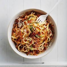 Sipulicarbonara   Arjen nopeat, Pastat ja risotot   Soppa365 Veggie Dishes, Pasta Dishes, Side Dishes, Vegan Recipes, Cooking Recipes, Vegan Food, Risotto, Spaghetti, Good Food