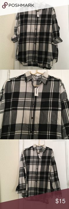 Nwt Old Navy Shirt (xl) petite New. Cute. Has a pocket Old Navy Tops Button Down Shirts