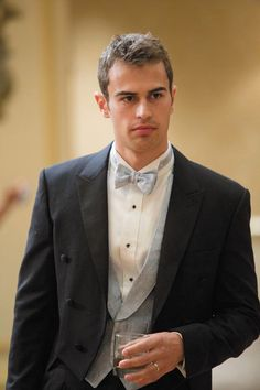 Lose Yourself in Some of Theo James's Sexiest On-Screen Moments