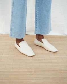 An updated and upgraded version of signature Nanushka mules, the Noa shoes have a 'mule' affect to them but with a closed back. Made from soft glossy croco creme vegan leather and a flat heel, the Noa shoes are the perfect shoe to walk the city in. Loafer Flats, Loafers, Black Camel, Saved Items, Body Measurements, Vegan Leather, Black Pants, Shoes, Collection