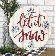Let it Snow Sign, Snowflake door hanger, Christmas Winter Door Sign, Silver Snowflakes, Round Circle Christmas Signs Wood, Holiday Signs, Rustic Christmas, Christmas Crafts, Christmas Ornaments, Christmas 2019, Handmade Christmas, Merry Christmas, Let It Snow Sign